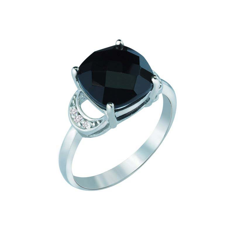 Beautifully Handcrafted Black Onyx Ring With Diamonds