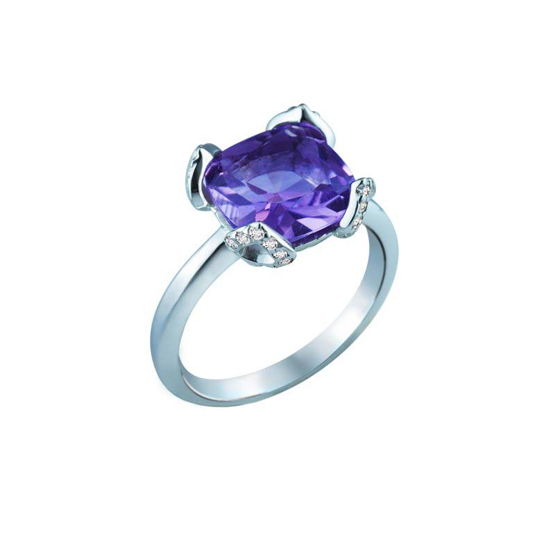 Elegant ring with purple Amethyst in center and diamond-studded prongs