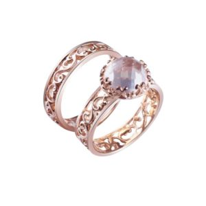 Elegant Rose Gold Plated ring with concave cut Chardonnay in the center