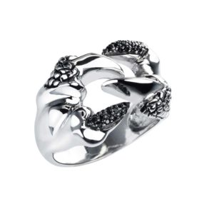Biker's ring featuring Snake's fangs